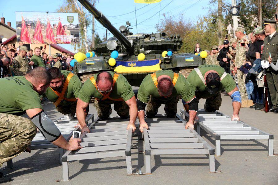 Рекорд України з протягування танка Т-72